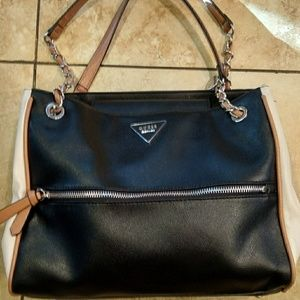 Authentic Guess Purse!!